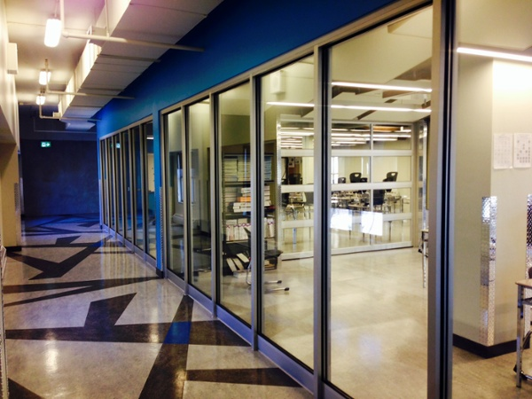 The Queen Mary College acoustical glass wall system with retrofits